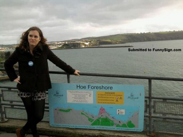 Hoe-Foreshore-let-us-take-your-picture-next-to-this-sign